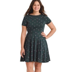 Unique Vintage green dress with apples